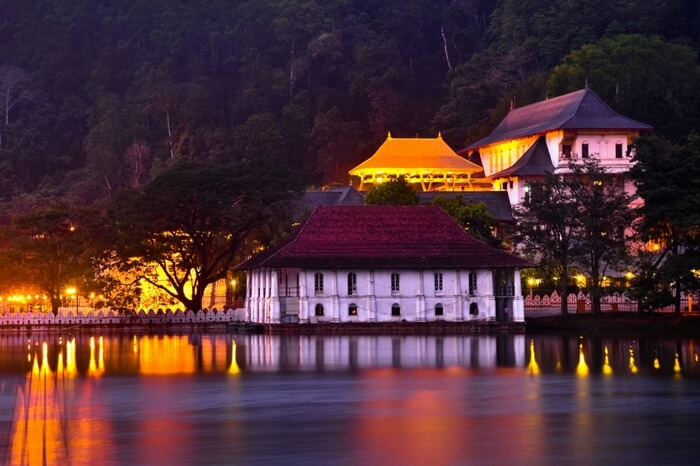 Kandy temple of tooth day tour